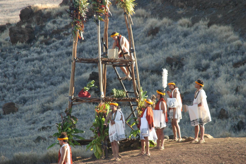 Ho'oku'ikahi CeremonyHo'okupu offerings placed on top of the lele during Ho'oku'ikahi ceremony.