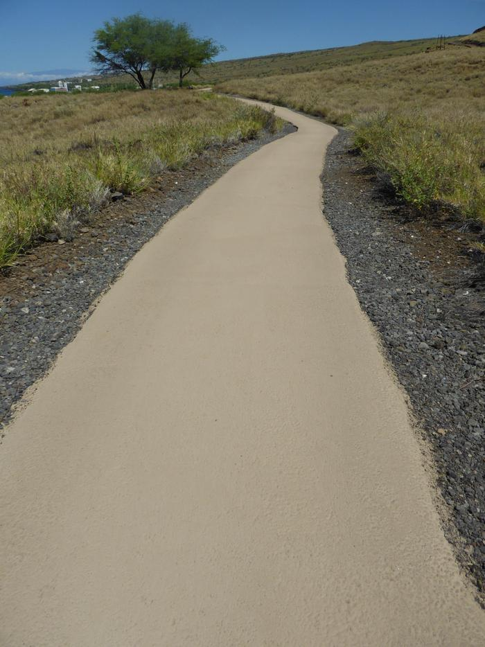 TrailPaved half mile loop trail (starting from the visitor center) will takes you to the base of Pu'ukoholā Heiau, passing Mailekini Heiau to Pelekane Bay, and right a long the coastal trail back to the visitor center.