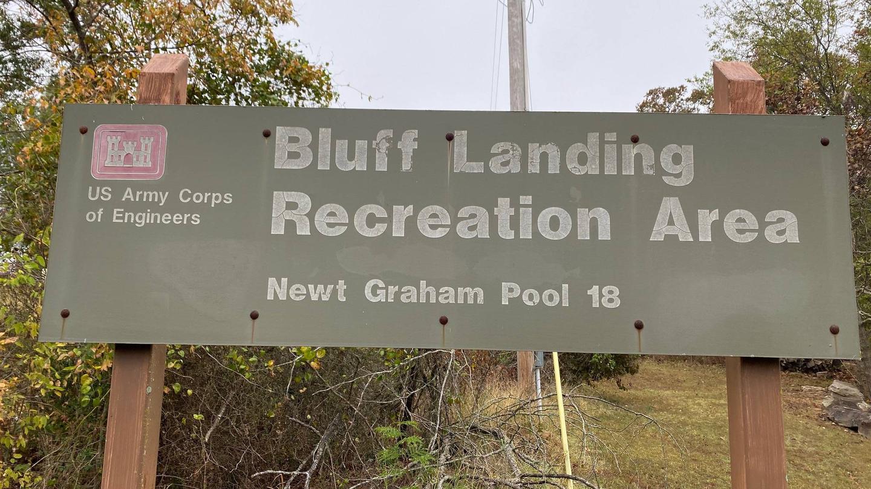 Bluff Landing Recreation AreaBluff Landing is located on the McClellan-Kerr Navigation channel just outside of Broken Arrow, OK.