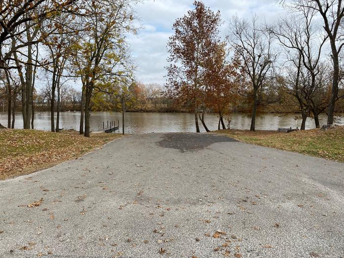 Boat RampEnjoy the use of our boat ramp even if you are not camping in our park.