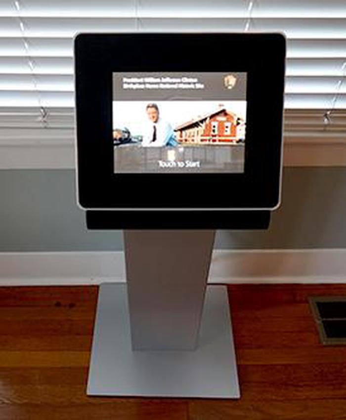 Digital Kiosk in the visitor centerThe Visitor Center is equipped with an individual viewing kiosk of vignettes of memorable moments in President Clinton's life and the renovation of the Birthplace Home.