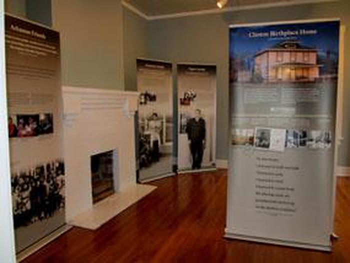 Exhibit panels in the visitor centerView the temporary exhibits at President William Jefferson Clinton Birthplace Home for information about Mr. Clinton's early life in Hope, Arkansas and the family and friends who influenced him.