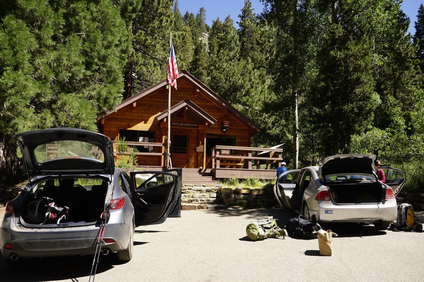 Mineral King Ranger StationHikers prepare for their trips in front of the ranger station
