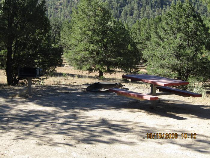 Grill, table, and fire pitGrill, table, and fire pit area