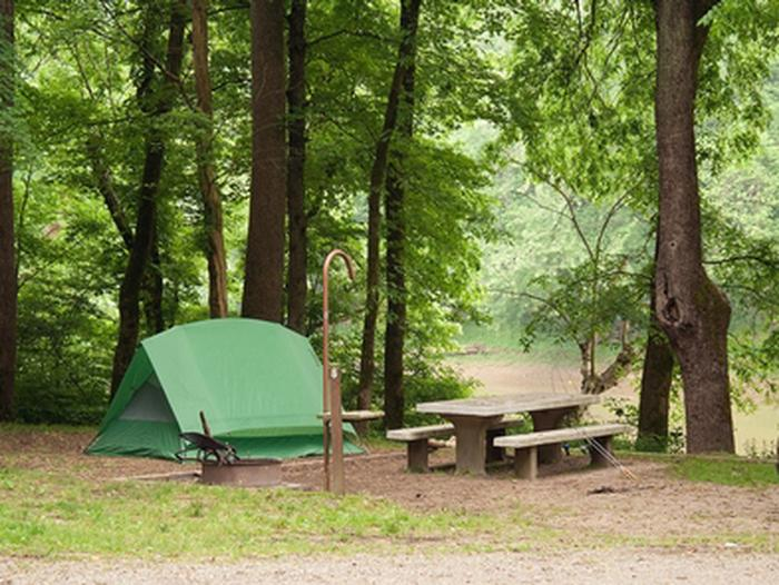Houchin Ferry Campground - Simple CampingHouchin Ferry Campground sites may be primitive sites - but they're welcoming.