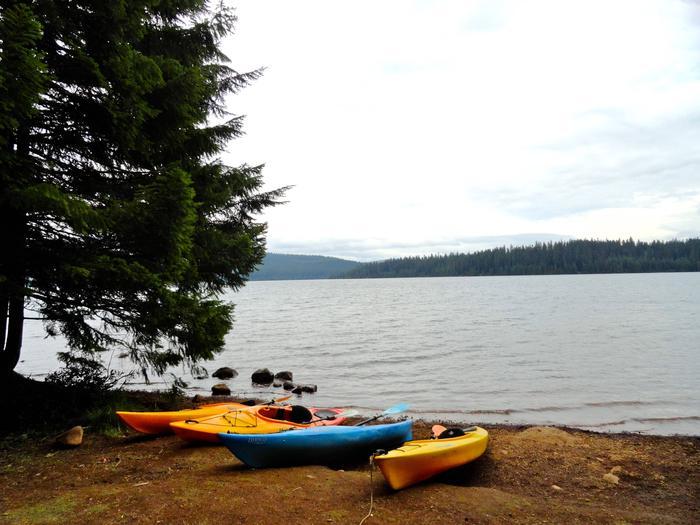 Kayaks on the shore at Gone CreekKayaking is popular on Timothy Lake