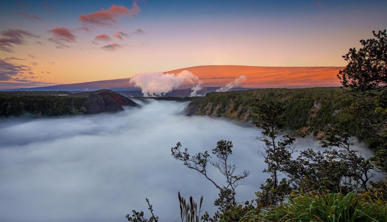 Kīlauea IkiSunrise at Kīlauea Iki