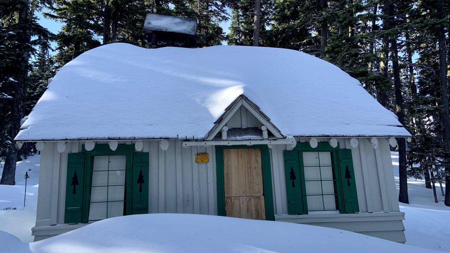 Tilly Jane Guard StationGuard Station in the Winter