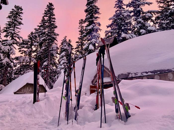 Guard Station SunsetSunsets and ski in, ski out