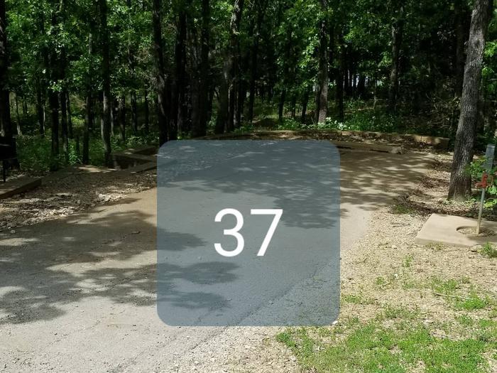 Mound Valley Site #37  30 amp & water