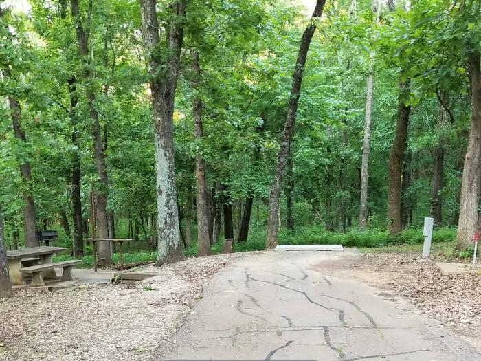 Mound Valley Site #44 30 amp & water