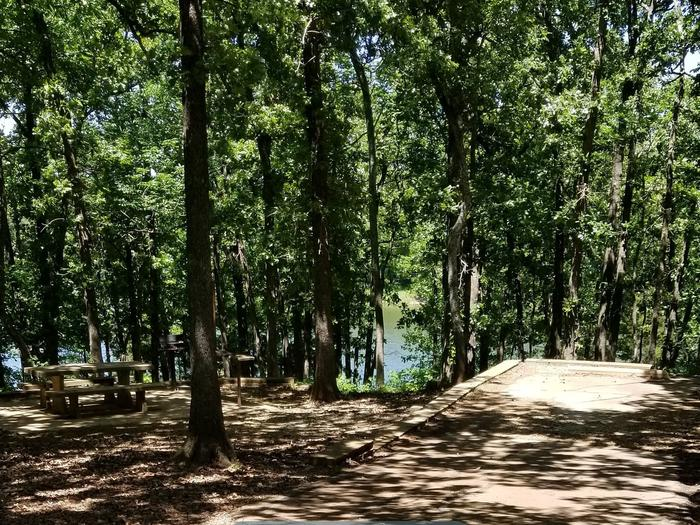 Mound Valley Site #50 30 amp & water