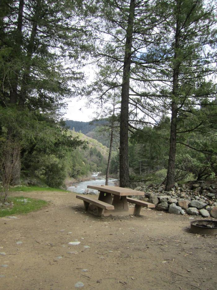 campsitecampsite Rocky Rest