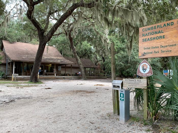 Sea Camp Ranger StationStop into the Sea Camp ranger station for a map and to ask any questions you may have.