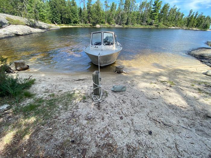 Beach boat access and mooring post