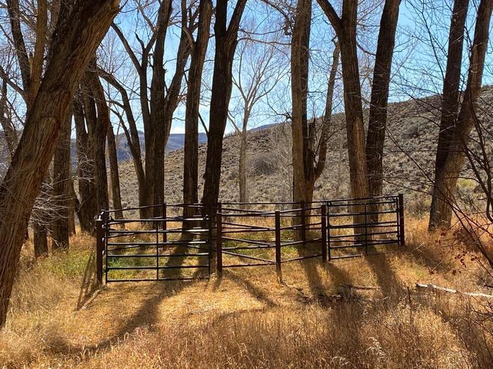 Dry Gulch Horse Corral