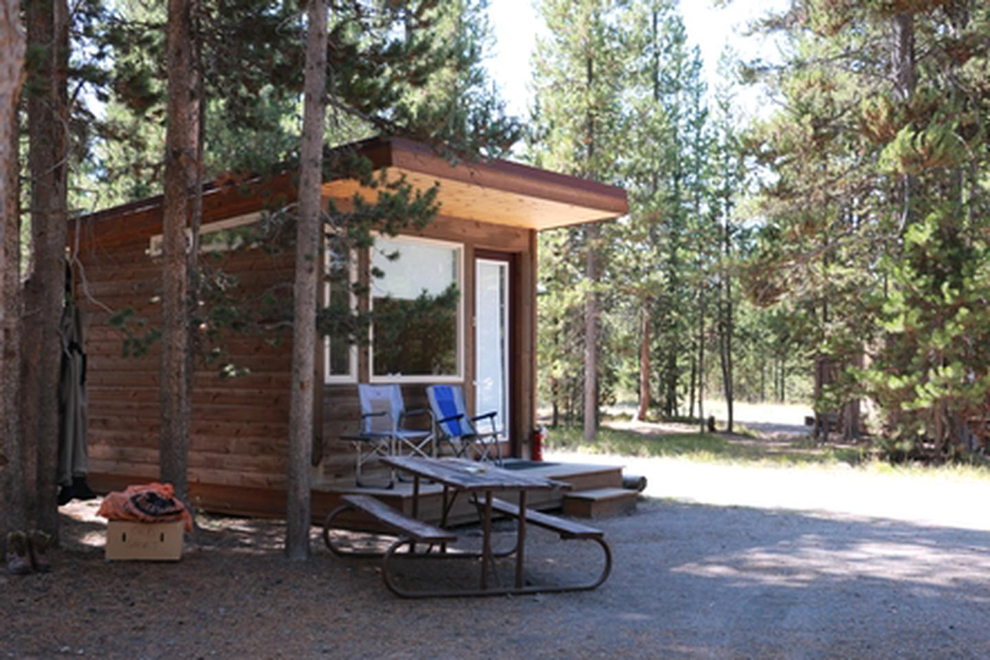 Headwaters Camper CabinHeadwaters Camper Cabins are scattered throughout the campground and include double-double or double-single bunk-style beds. While the bunks are padded, bedding and pillows not included. Guests are encouraged to bring their own linens.