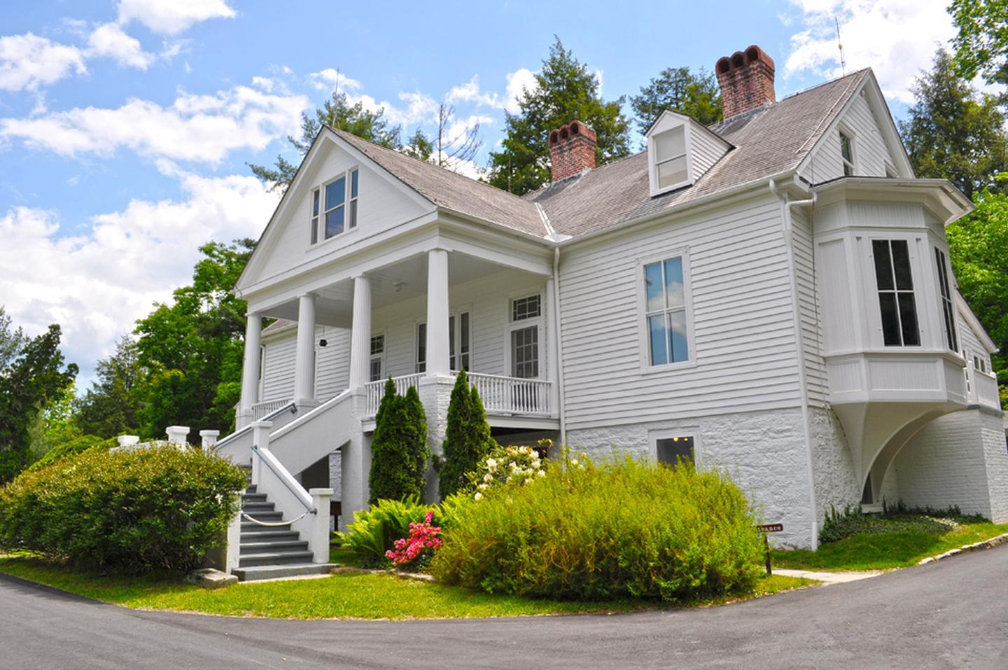 Preview photo of Carl Sandburg Home National Historic Site
