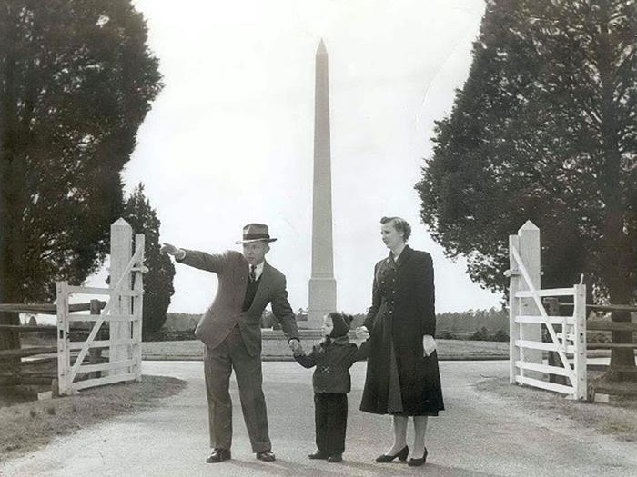 Viewing the ParkVisiting the park in the 1930's