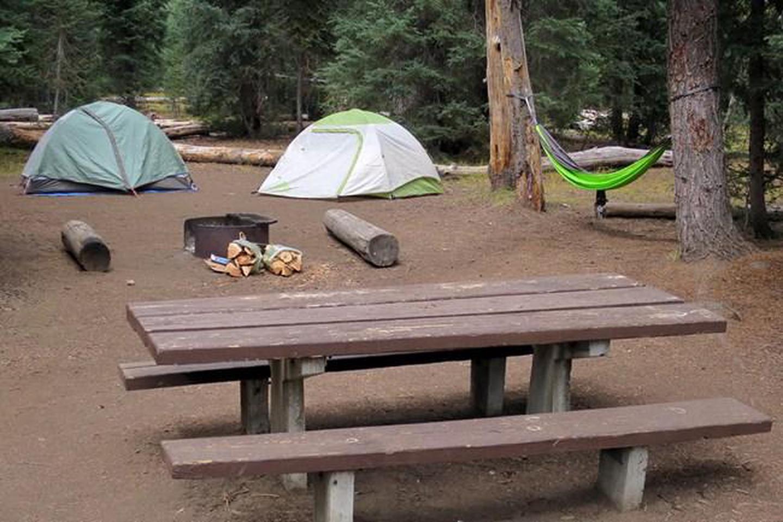 Mazama CampsitePrepared to camp and enjoy a campfire.
