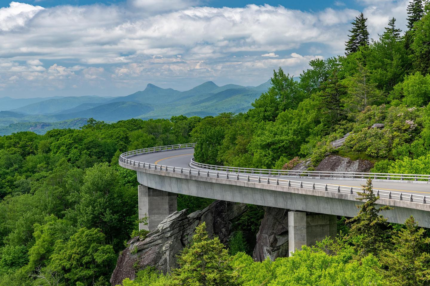 Linn Cove ViaductLinn Cove Viaduct is one of the most iconic features of the Blue Ridge Parkway