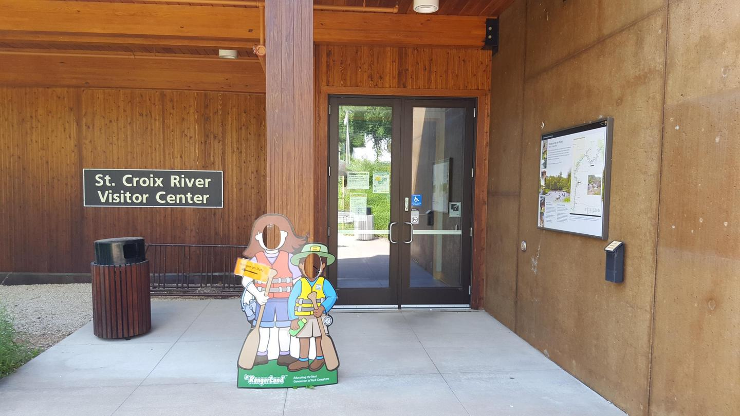 Entrance to the St. Croix River Visitor CenterOpen these doors to find your way to the St. Croix River Visitor Center.