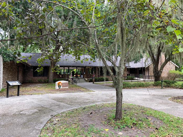 FOFR VC FrontThe Fort Frederica Visitor Center is a great place to start your visit