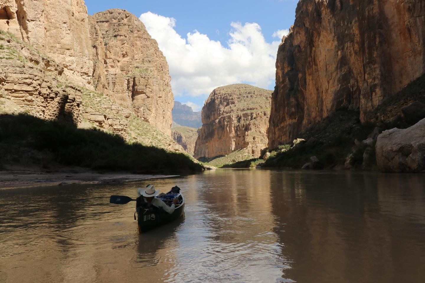 Canoeing Boquillas CanyonFloating through Boquillas Canon