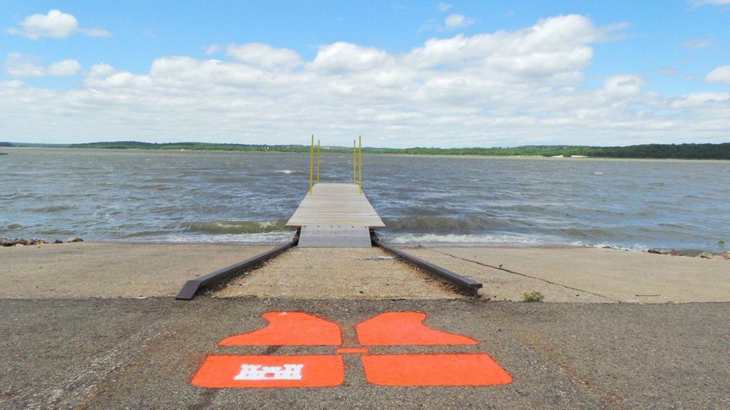 Bloomington West Boat RampBoat Ramp 4 is located in Bloomington West Park and is free to campers and day use visitors