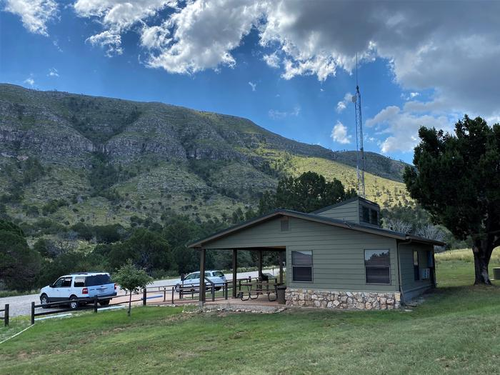 Dog Canyon ranger station with mountain viewsDog Canyon ranger station and surrounding mountains