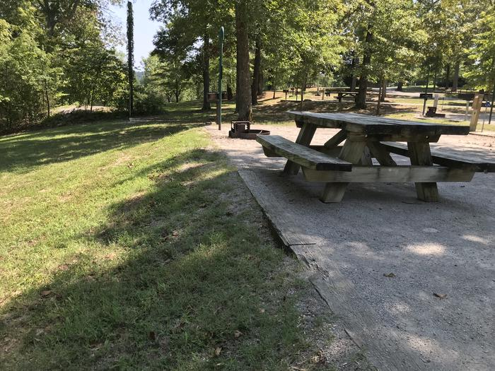 WILLOW GROVE CAMPGROUND SITE #43 TABLE AND HILL SIDE ADJACENT TO SITEWILLOW GROVE CAMPGROUND SITE #43