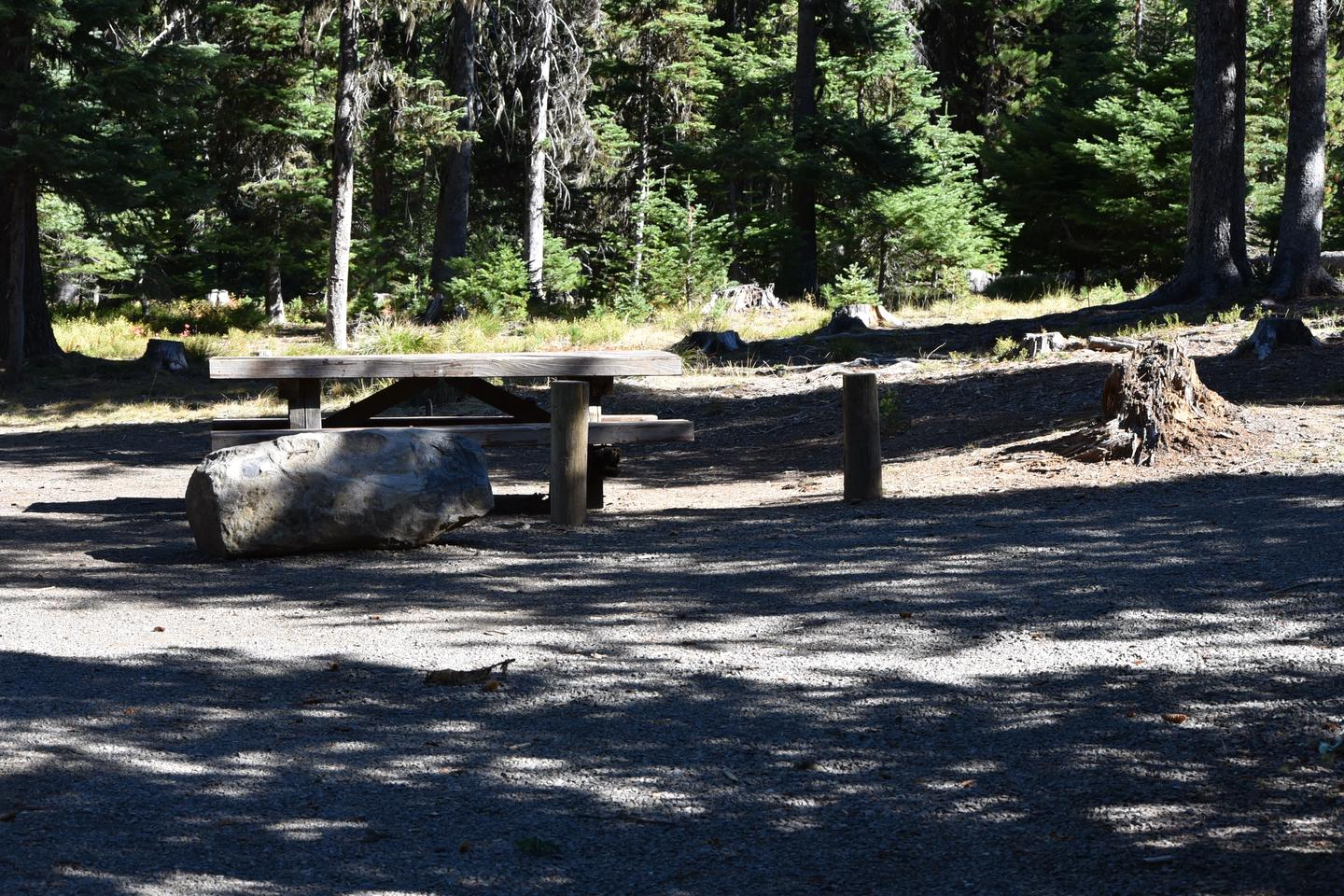 camp site parking area and picnic tableJubilee Lake Campground site #23