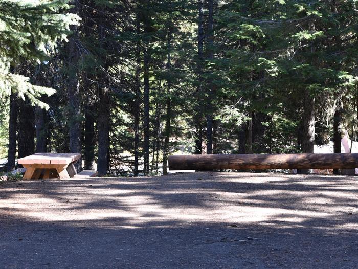 camp site parking area and picnic tableJubilee Lake Campground site #38