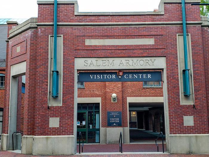 Salem Armory Visitor CenterFront entrance of the Salem Armory