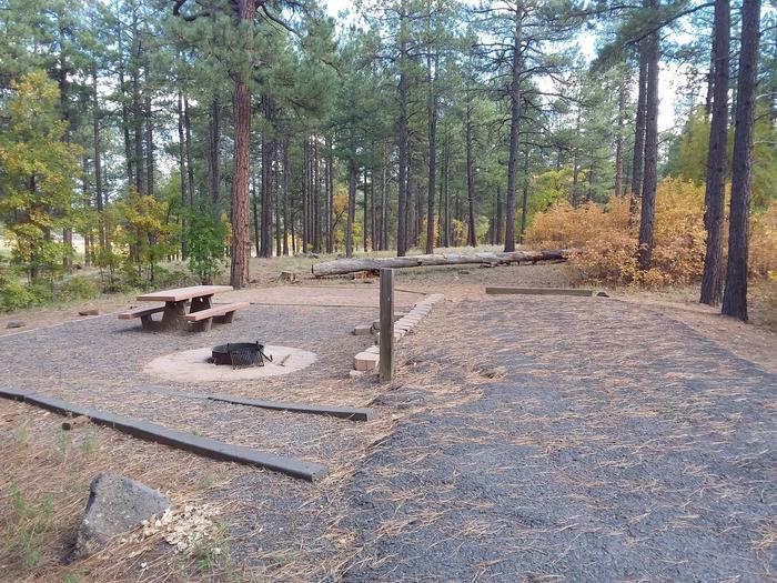 Paved and gravel campsitesite 015