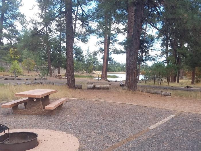 gravel campsite close to the lakesite 038