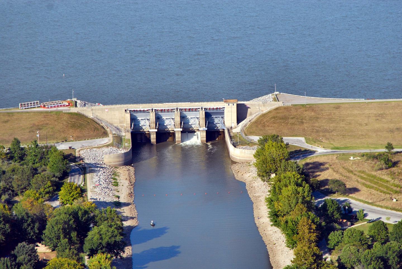 Carlyle Lake DamAerial view of Carlyle Lake Dam.