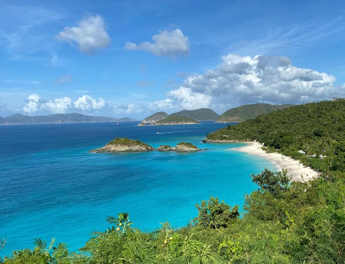 Trunk BayRenowned for its beauty, Trunk Bay is a visitor favorite.