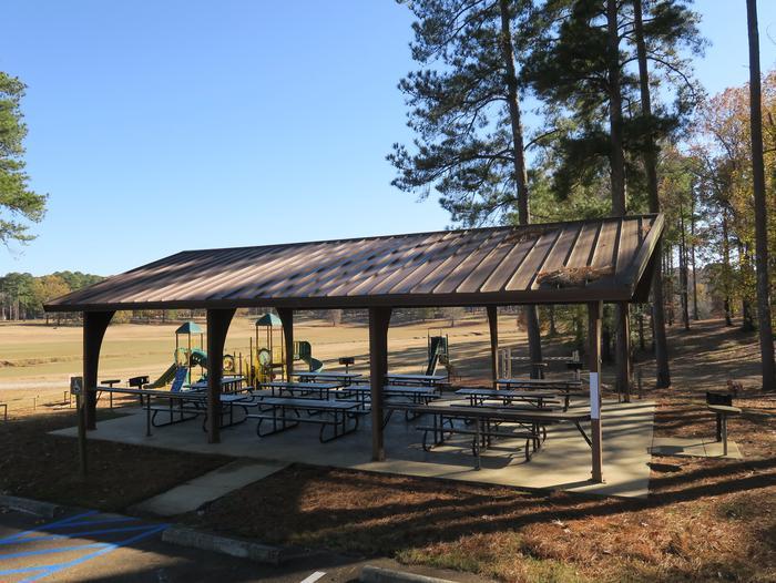 Pavilion 583 (near beach/shower house)Picnic Shelter 583
