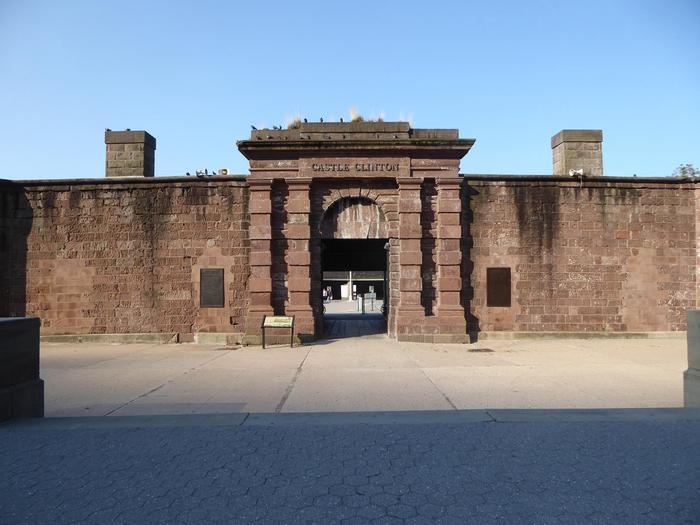 Castle Clinton NMCastle Clinton entrance