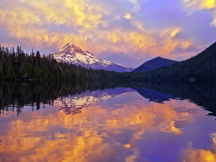 Beautiful sunsets happen at Lost LakeDreaming of summer sunsets of stunning shades of pink and purple.