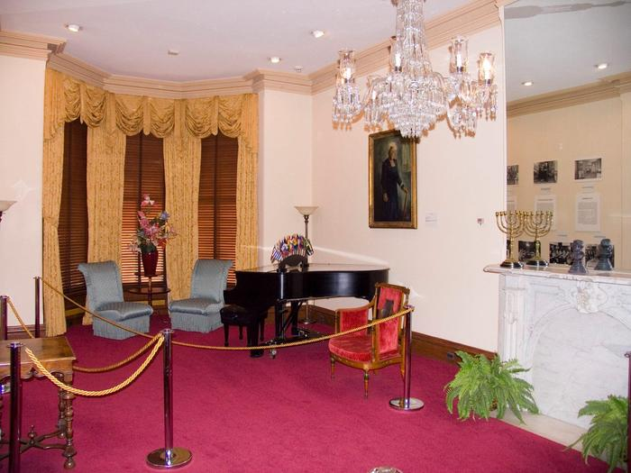 ParlorThe Parlor was served as the setting where Mary McLeod Bethune and NCNW members entertained guests and foreign dignitaries, and also where seminars and other important meetings were held.