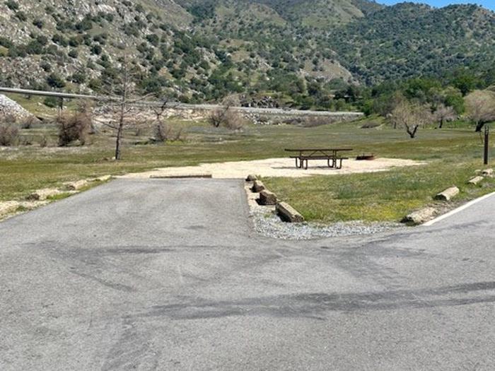 Medium length driveway.Medium length back-in driveway.