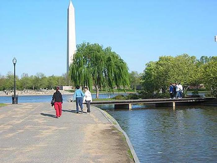 Constitution GardensA beautiful day in Constitution Gardens