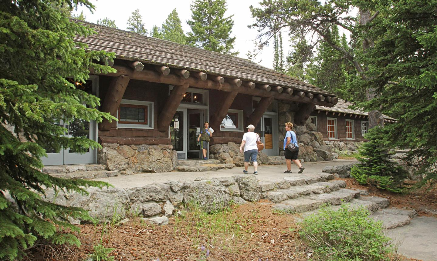 Fishing Bridge Visitor CenterThe Fishing Bridge Visitor Center and Trailside Museum is located in a beautiful grove of coniferous trees.