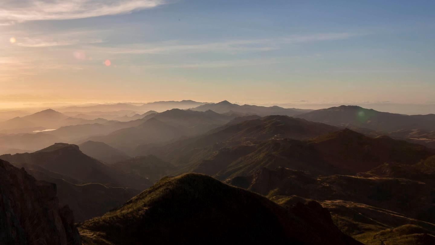 MountainsView from Sandstone Peak at Sunrise