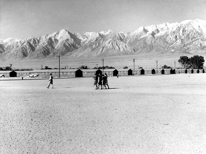 Barracks in 1942, Manzanar1942 image of barracks at Manzanar