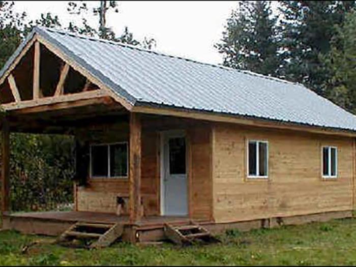 front view of Esker Stream Cabin (Wrangell-St Elias)