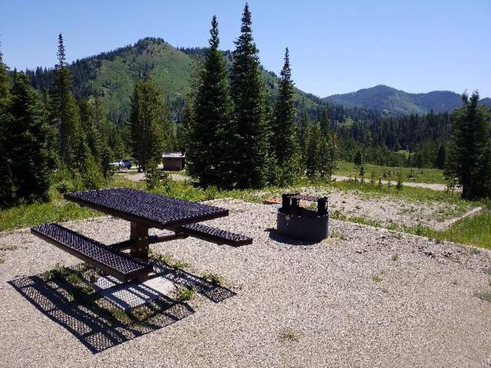Preview photo of Hahns Peak Lake Campground - Medicine-Bow Routt Nf (CO)