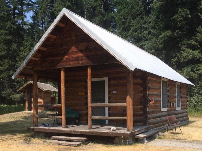 Preview photo of Ford Cabin